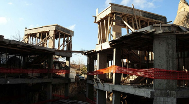 Peri bacalarının yanındaki otel inşaatı durduruldu
