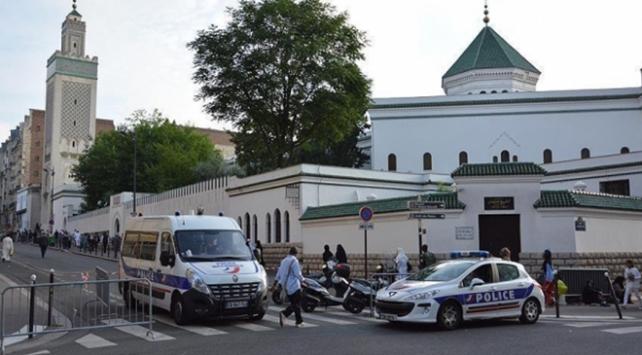 Fransa'da valilerin talebiyle 7 cami kapatıldı