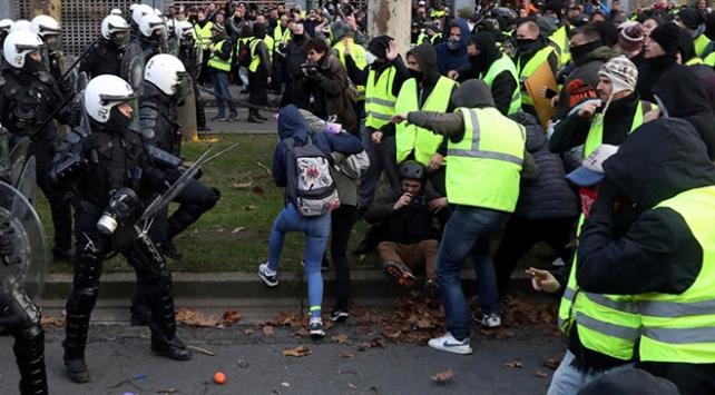 """Fransadan """"Sarı Yelekliler""""in gösterileri için eylem planı"""