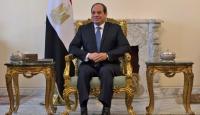 Sisi'yi 2034'e kadar iktidarda tutabilecek değişiklikler onaylandı