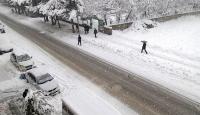 Bingöl'de eğitim yoğun kar nedeniyle durdu