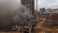 Kadıköy'de depo yangını: İtfaiye ekipleri müdahale ediyor