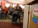 Türk askerinden Bosnalı gazilere tekerlekli sandalye