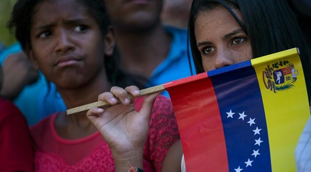 ABDden Venezuelaya askeri uçakla yardım planı