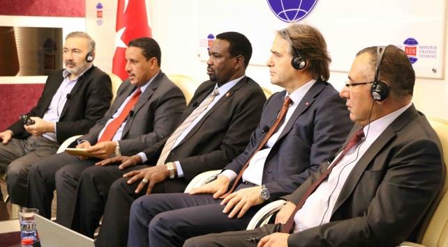 """Stratejik Düşünce Enstitüsünden """"Uluslararası Sistemin Kıskacında Sudan"""" paneli"""