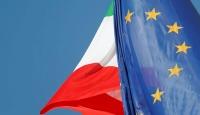 """İtalya'da aşırı sağ partiden """"AB'den çıkabiliriz"""" açıklaması"""