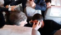 Sağlık Bakanı Koca'dan uçakta fenalaşan yolcuya müdahale