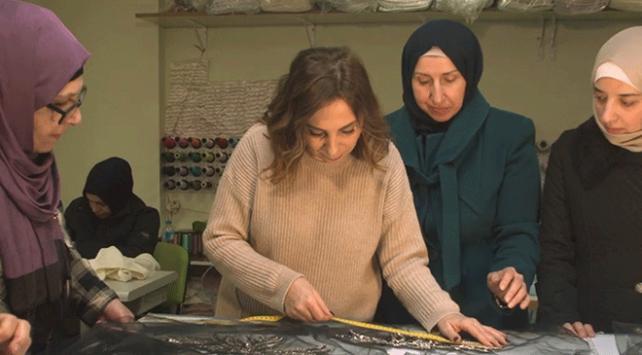 Türkiyeye sığınan Suriyeli kadınların hazırladıkları tasarımlar Londrada tanıtılacak