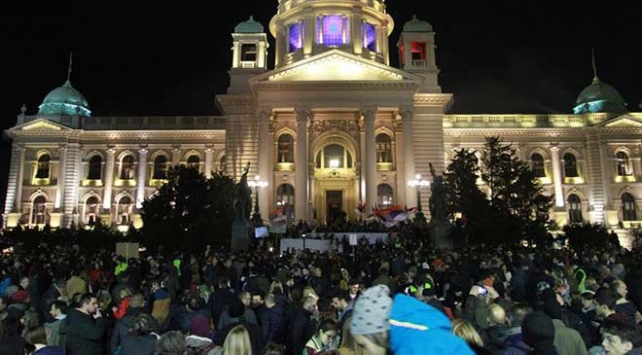 Karadağ ve Sırbistanda hükümet karşıtı protestolar devam ediyor