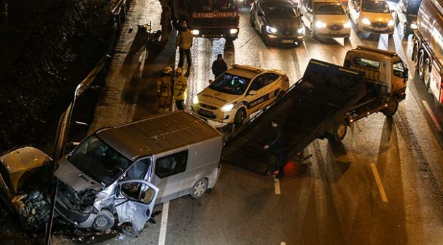 Esenler'de trafik kazası: 3 yaralı