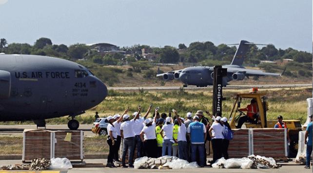 """ABDnin """"yardım uçakları"""" Venezuela sınırında"""