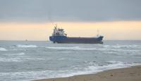 Kocaeli'de karaya oturan kuru yük gemisi