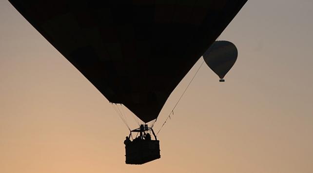 Avustralyada iki sıcak hava balonu düştü
