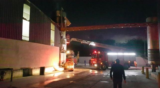 Sakaryada fabrikanın yağ tankında yangın