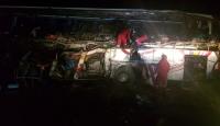 Bolivya'da yolcu otobüsü kamyonla çarpıştı: 22 ölü