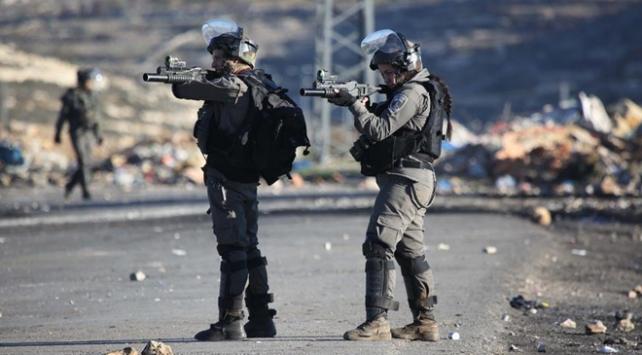 İsrail askerleri 7 Filistinliyi yaraladı
