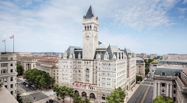 """""""ABDli eski vali Trumpın otelinde 22 bin dolar harcadı"""""""