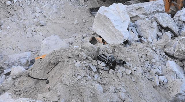 Milasta heyelan altında kalan 1 işçinin daha cansız bedenine ulaşıldı