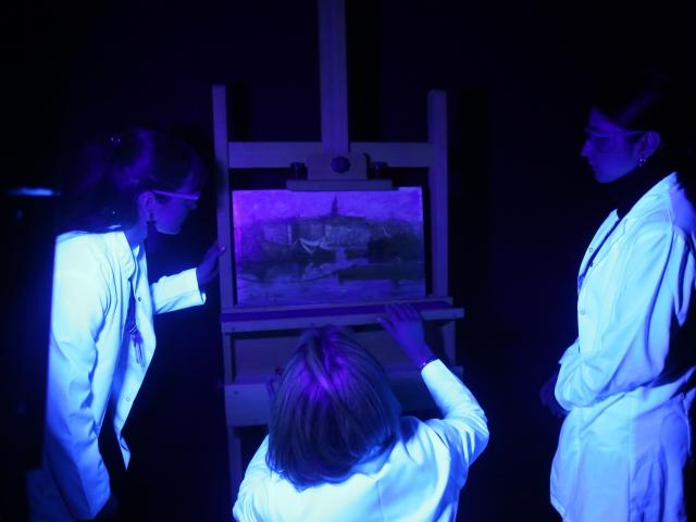 Birbirinden kıymetli tablolar restore edilerek gelecek kuşaklara aktarılıyor