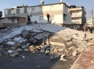 Mersin'de 5 katlı bir bina çöktü