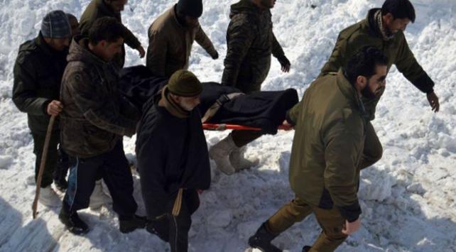 Hindistan'da çığ felaketi: 1 asker öldü, 5 asker kar altında