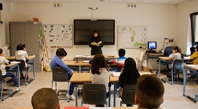Hollandada İslam okulları 5 yıldır en başarılı eğitim kurumları