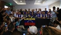 """Muhalefet """"yardımları"""" beyaz giyerek Venezuela'ya sokmayı deneyecek"""
