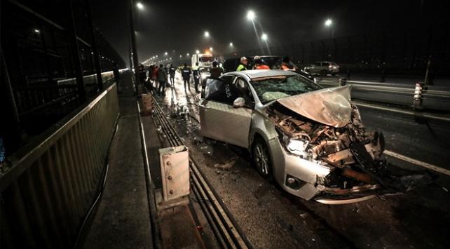 Haliç Köprüsünde zincirleme trafik kazası: 3 yaralı