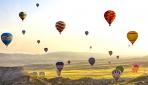 Kapadokyada eşsiz manzaralar sunan balon turizmi