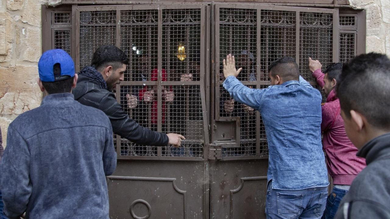 16 yıldan bu yana ilk defa Filistinliler Rahmet Kapısında namaz kıldı