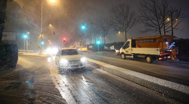 İstanbulda kar etkili oluyor