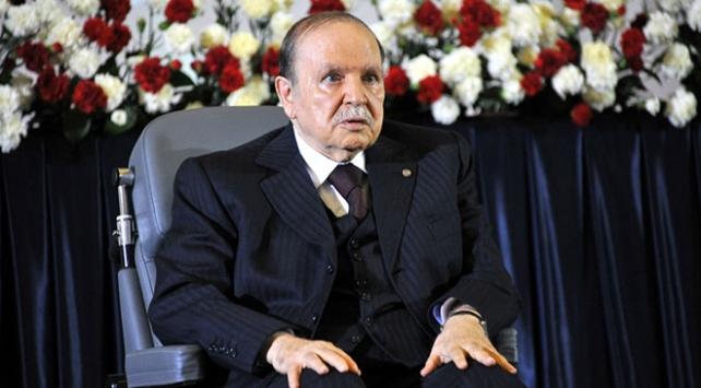 Cezayir Cumhurbaşkanı Buteflika beşinci dönem için adaylıkta ısrarlı