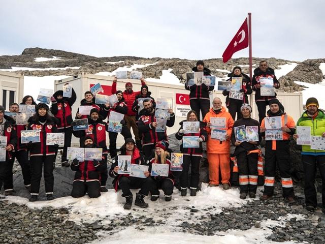 Antarktikada geçici bilim üssü kuruldu