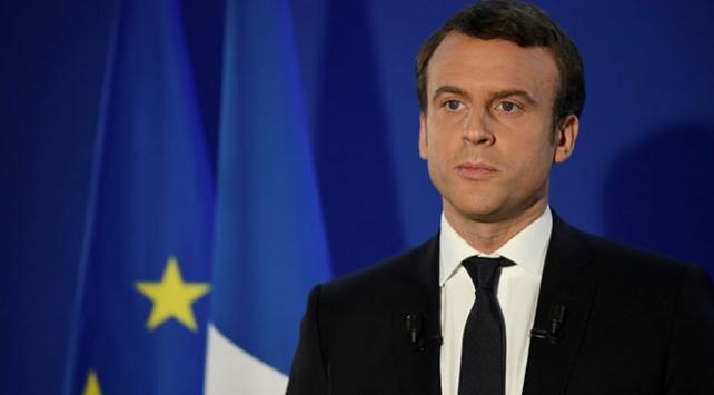 Macron ABDnin Suriyede asker bırakmasından memnun