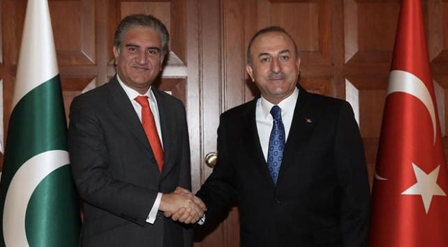 Pakistan Dışişleri Bakanı Kureşi, Çavuşoğluyla görüştü