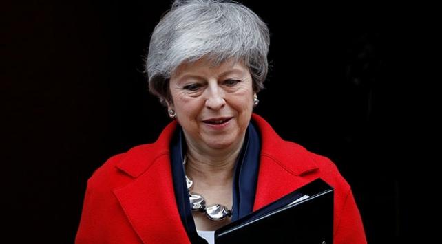 Brexitte anlaşmasız ayrılık ve erteleme seçenekleri gündemde