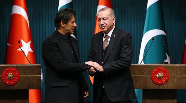 Cumhurbaşkanı Erdoğan Pakistan Başbakanı İmran Han ile görüştü