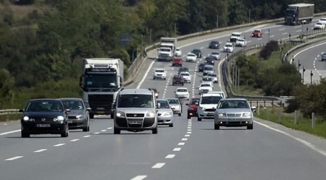 Trafiğe 1 ayda 66 bin 486 araç eklendi