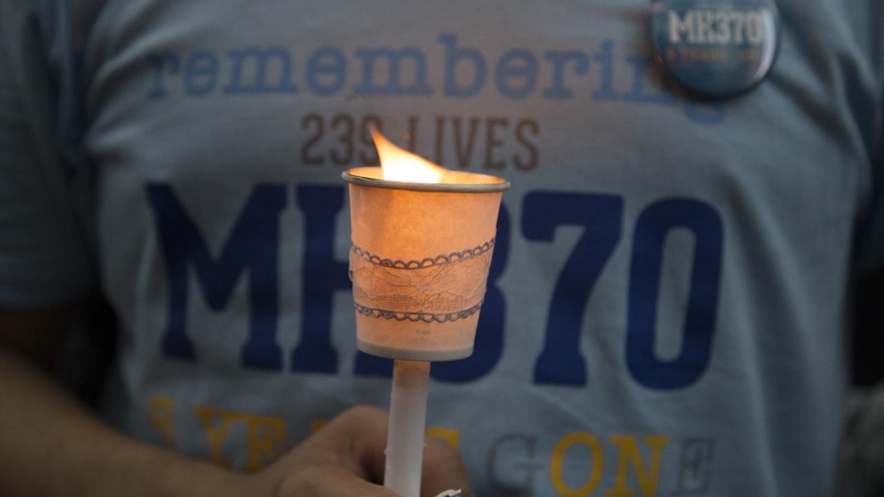 Kayıp Malezya uçağında hayatını kaybedenler anıldı