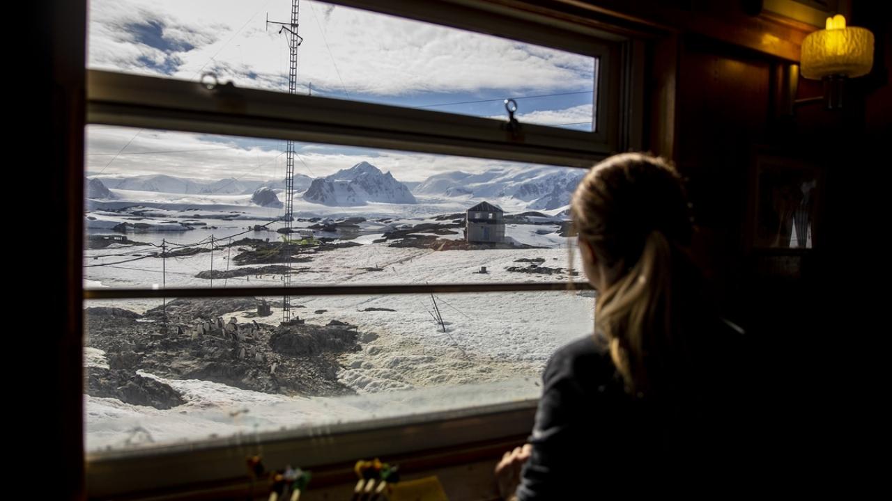 Antarktikadaki Türk ekibinden yabancı üslere ziyaret