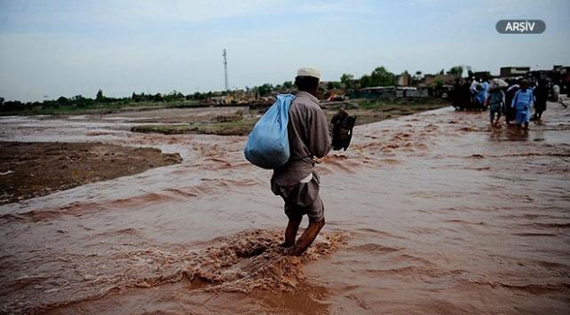 Pakistanda yağışlar 4 günde 13 can aldı