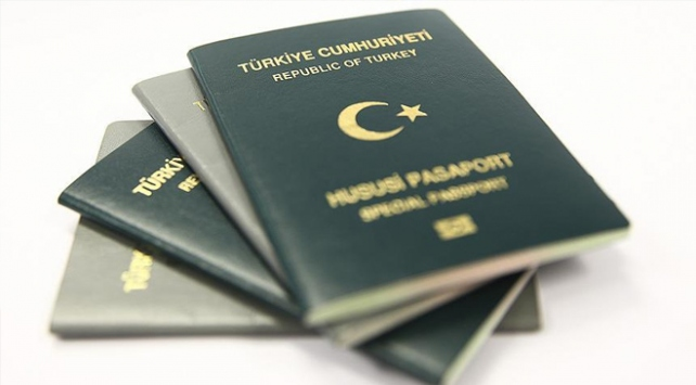 Bakan Çavuşoğlu açıkladı: Yeşil pasaportların süresi 5 yıla çıkabilir