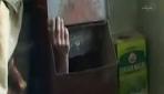 Taksiciden Gizlenirken Çöp Kutusuna Sıkıştı!