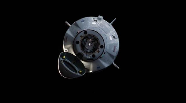 SpaceXin personel taşıyıcı mekiği Dünyaya döndü
