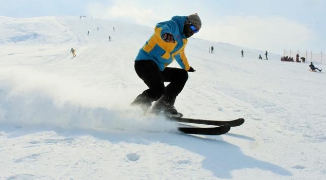 Muştaki kayak merkezine yoğun ilgi