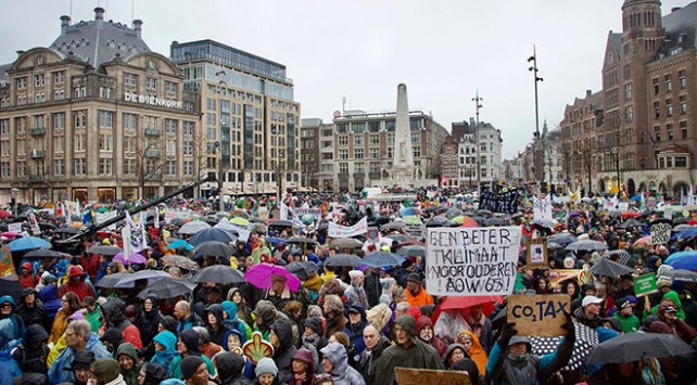 Hollandada iklim protestosu