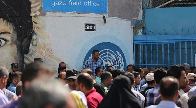 Gazzede 6 bin 400 kişiye geçici iş imkanı