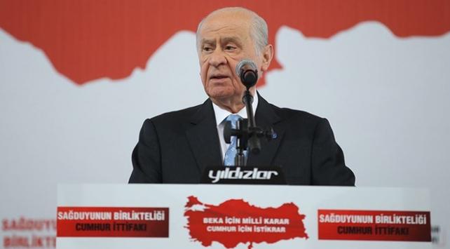 MHP Genel Başkanı Bahçeli: Ezanı ıslıklamak küfrü alkışlamaktır