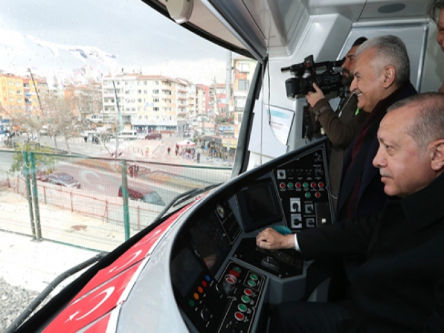 Gebze-Halkalı hattında ilk treni Cumhurbaşkanı Erdoğan kullandı