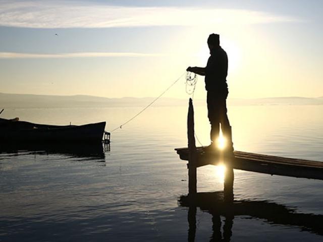 Göl sularının yükselmesi balıkçıların yüzünü güldürdü